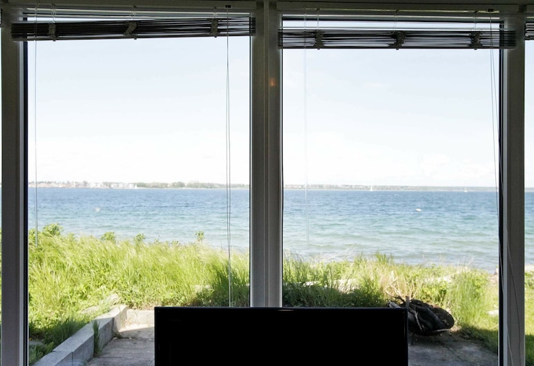Cozy Holiday Home in Middelfart With Whirlpool, Middelfart