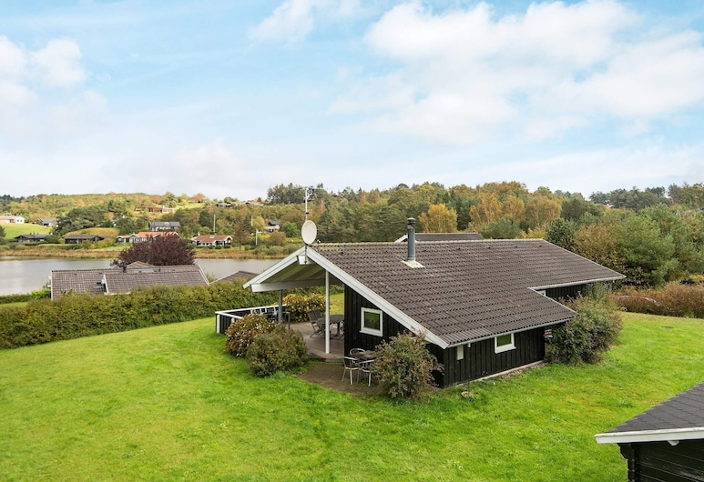 Gorgeous Holiday Home in Ebeltoft With Whirlpool, Ebeltoft