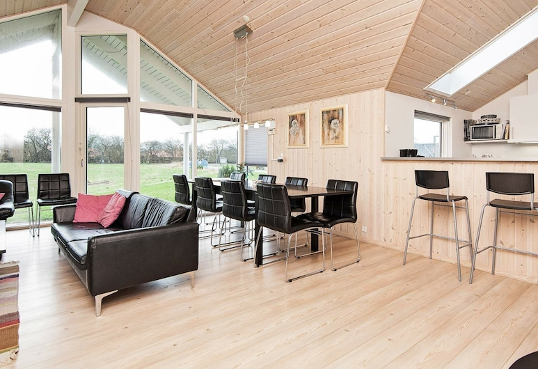 Cozy Holiday Home in Sydals With Whirlpool, Sydals, Wohnzimmer