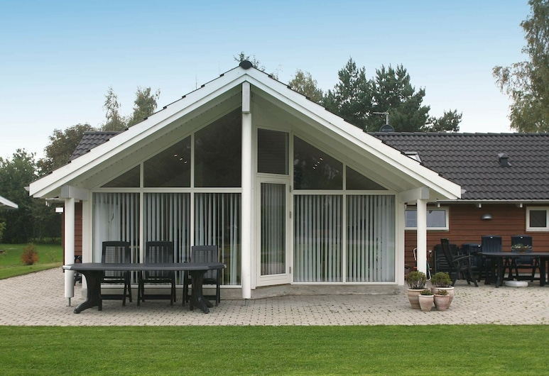 Modern Holiday Home in Stege With Whirlpool, Stege