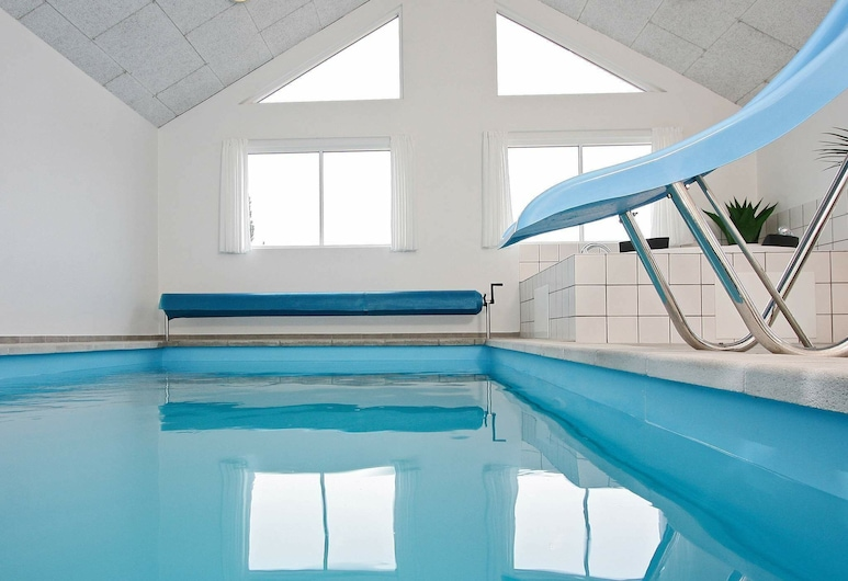 Stunning Holiday Home in Blåvand With Swimming Pool, Blavand