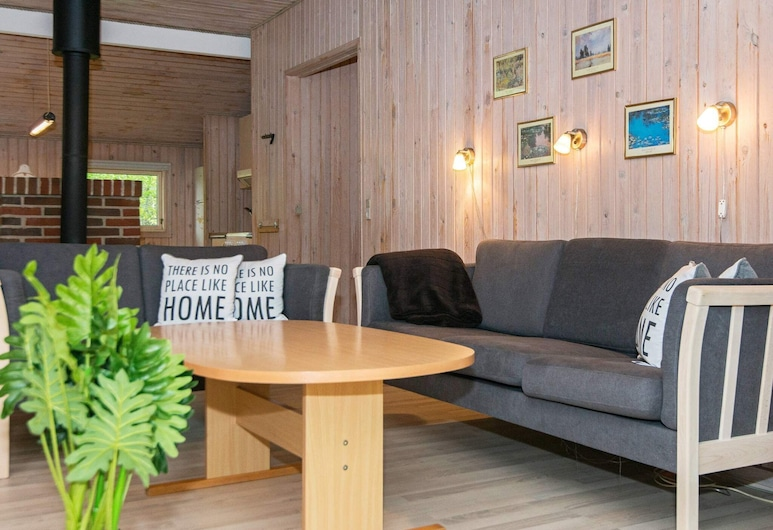 Cozy Holiday Home in Arrild Jutland With Whirlpool, Toftlund