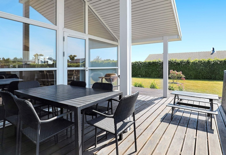 Modern Holiday Home in Otterup Funen With Indoor Whirlpool, Otterup, Balcon