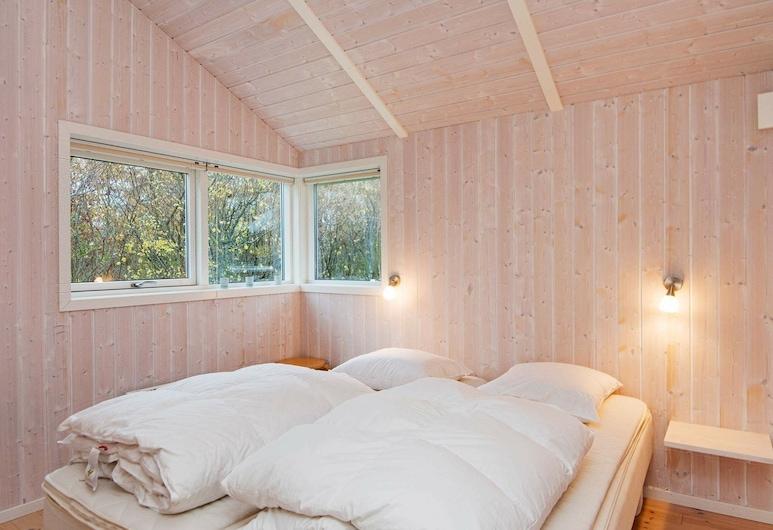 Modern Holiday Home in Glesborg Jutland Near the Sea, Glesborg, Huone