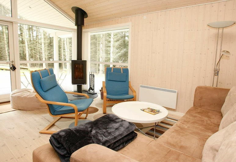 Serene Holiday Home in Løkken With Sauna, Lokken, Obývačka