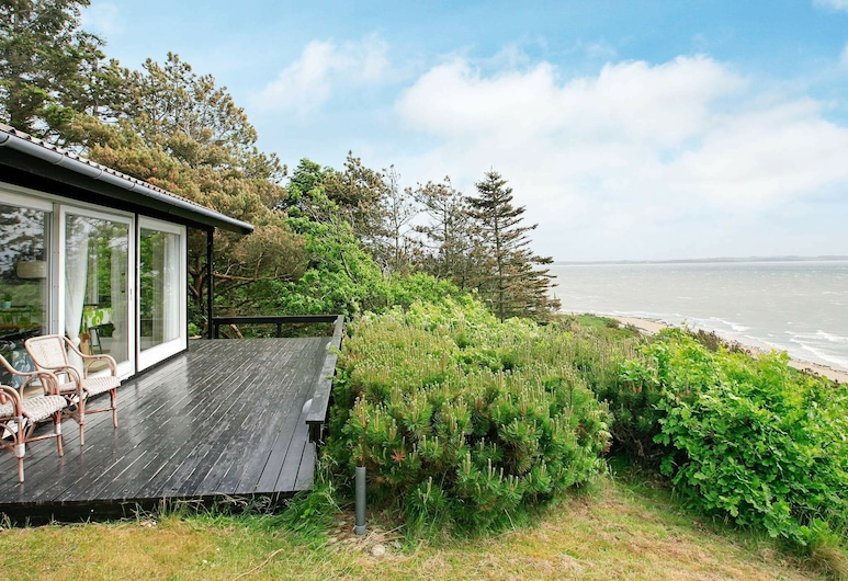 Marvellous Holiday Home in Jutland With Barbecue, Spøttrup