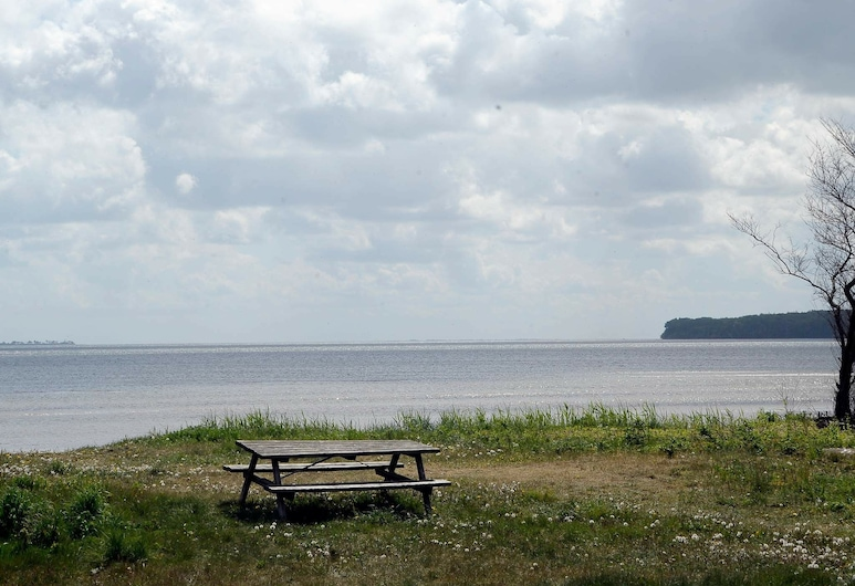 Spacious Holiday Home in Bjert With Sauna, Bjert, Strand
