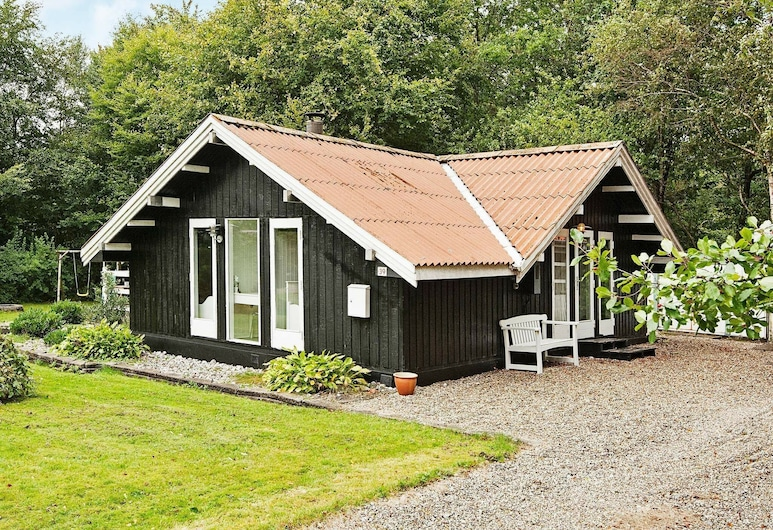 Quiet Holiday Home in Arrild With Terrace, Toftlund