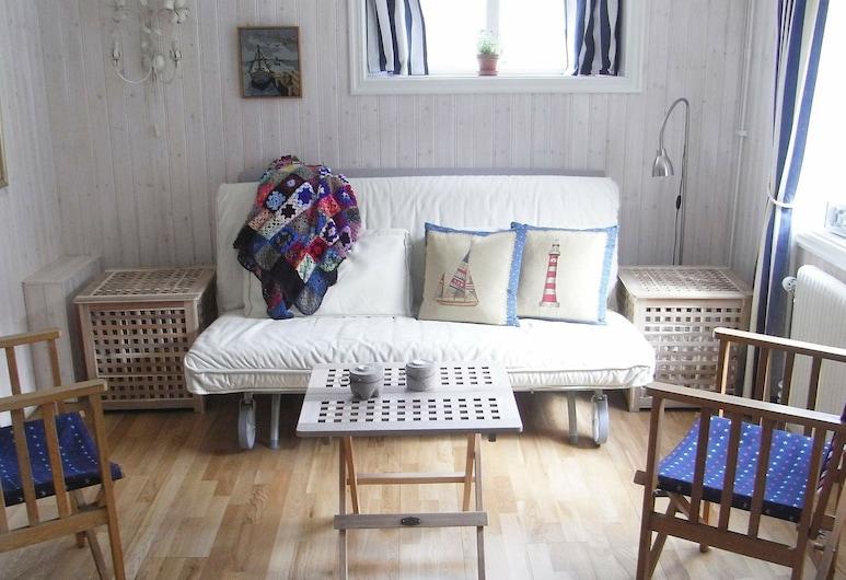 2 Person Holiday Home in Kungshamn, Kungshamn, Bilik Rehat
