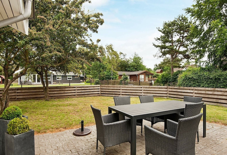 Pretty Holiday Home in Ebeltoft With Swimming Pool, Ebeltoft, Balcony