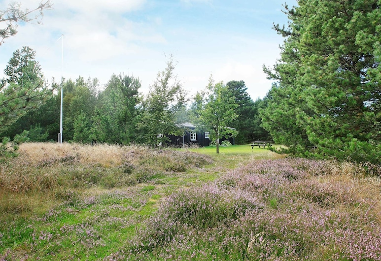 Cozy Holiday Home in Jerup Denmark With Terrace, Jerup, Property Grounds