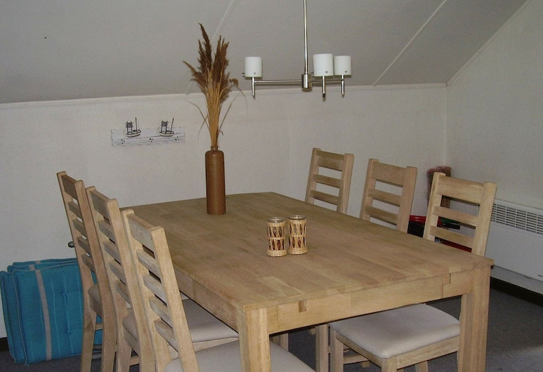 Captivating Holiday Home in Rødby With Terrace, Rodby, Private kitchen