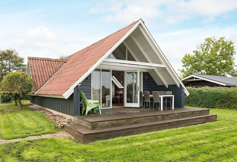 Unique Holiday Home in Hejls Denmark With Roofed Terrace, Hejls