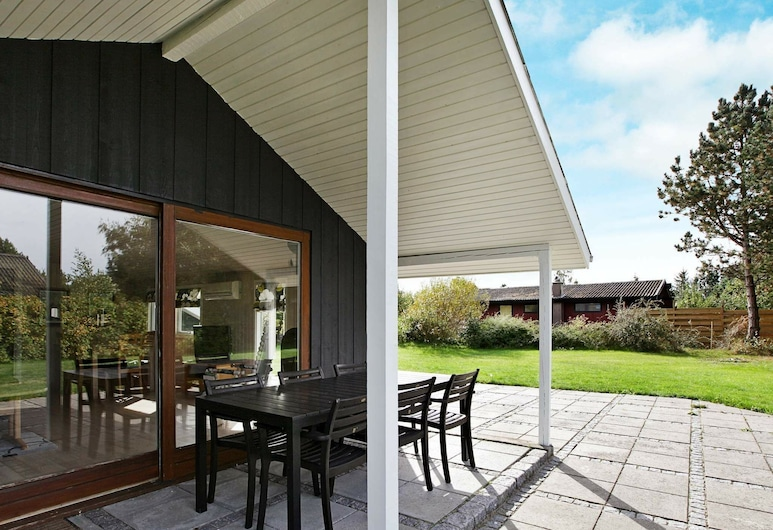 Charming Holiday Home in Rødby Near Sea, Rodby, Exterior