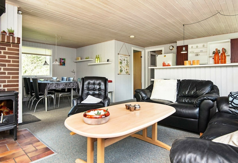 Authentic Holiday Home in Hemmet Denmark With Sauna, Hemmet, Salon