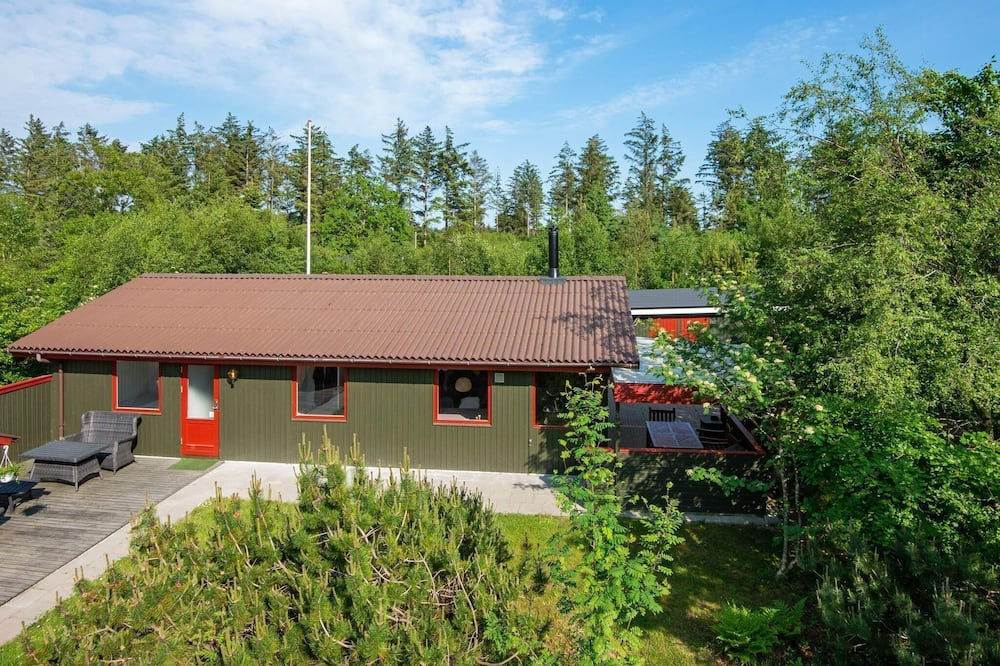 Authentic Holiday Home in Hemmet Denmark With Sauna