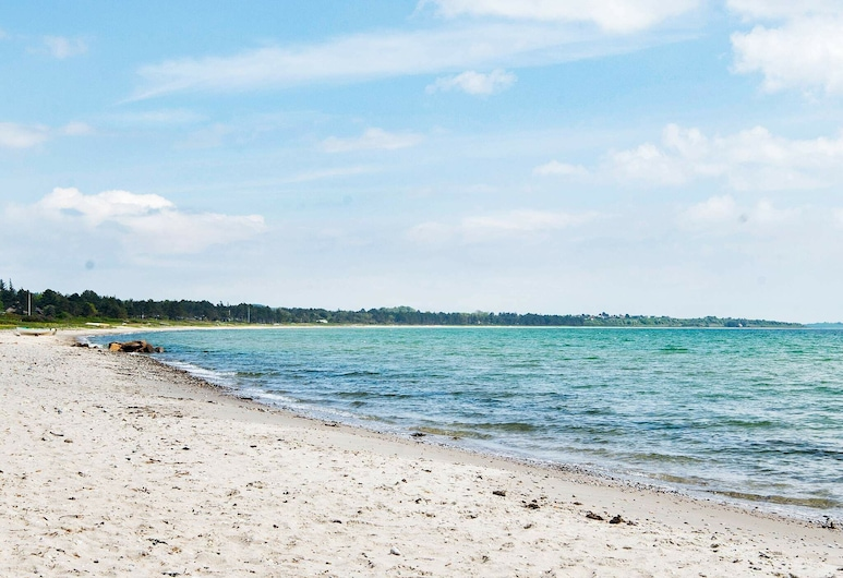 Delightful Holiday Home in Knebel With Sauna, Knebel, Beach