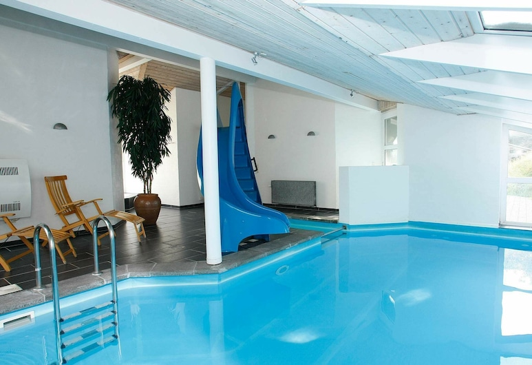 Luxurious Holiday Home in Lokken With Swimming Pool, Lokken