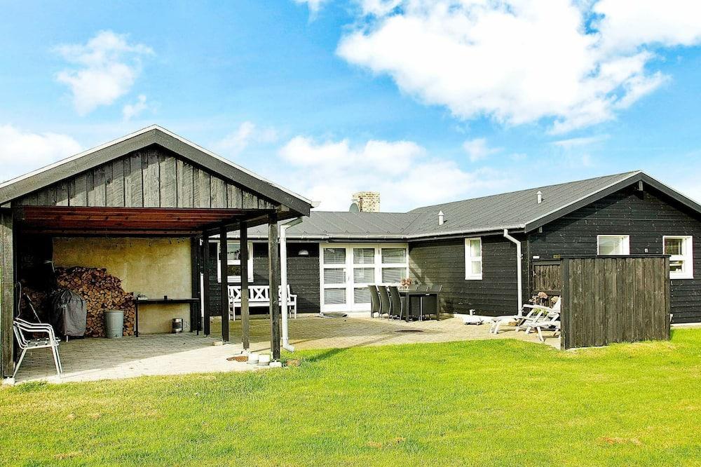 Peaceful Holiday Home in Lokken Jutland With Terrace