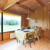 Splendid Holiday Home in Vaeggerlose With Terrace