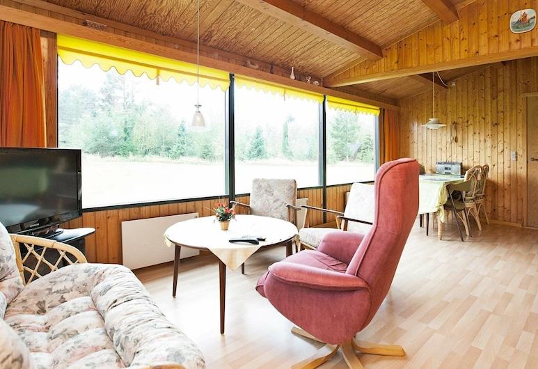 Splendid Holiday Home in Vaeggerlose With Terrace, Vaeggerlose, Soggiorno
