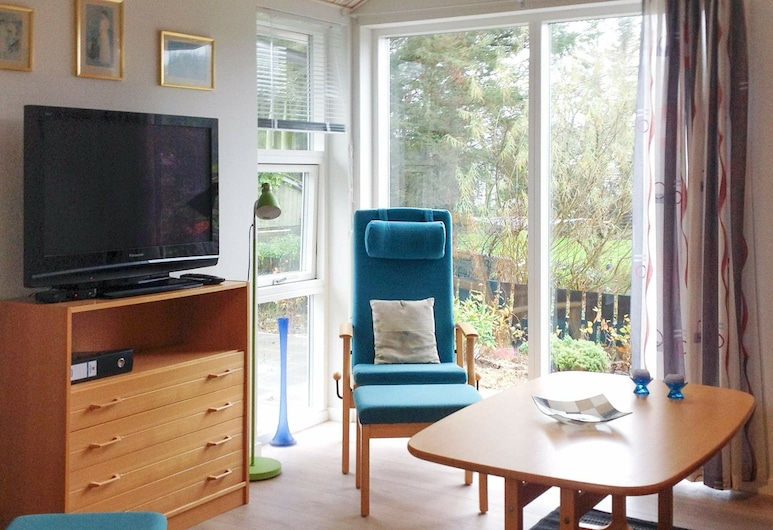 Warm Holiday Home in Jutland Denmark With Terrace, Esbjerg, Living Room
