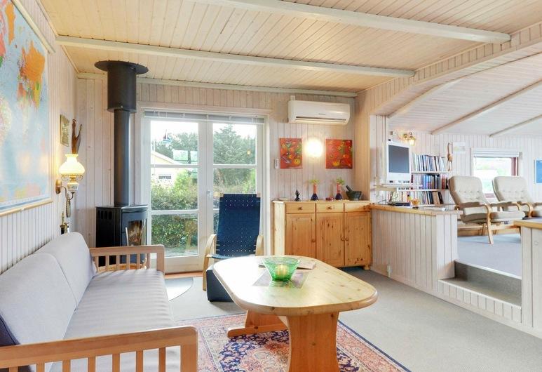 Modern Holiday Home in Hemmet With Sauna, Hemmet, Elutuba