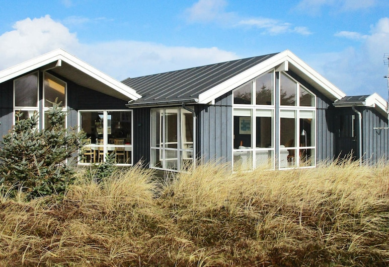 Spacious Holiday Home in Harboore With Sauna, Harboore