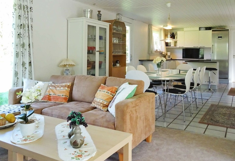 Fantastic Holiday Home in Humble With Terrace, Gmina Sydlangeland
