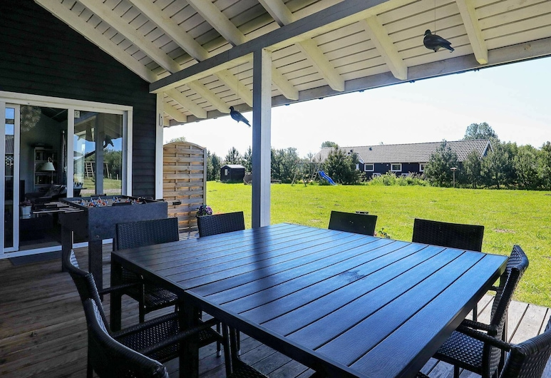 Lovely Holiday Home in Falster Zealand With Spa, Væggerløse, Altan