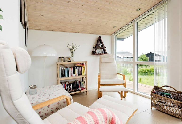 Modern Holiday Home in Slagelse With Sea Nearby, Slagelse, Living Room