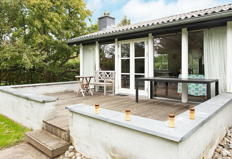 Contemporary Holiday Home in Dronningmolle With Garden, Dronningmølle, Balkon