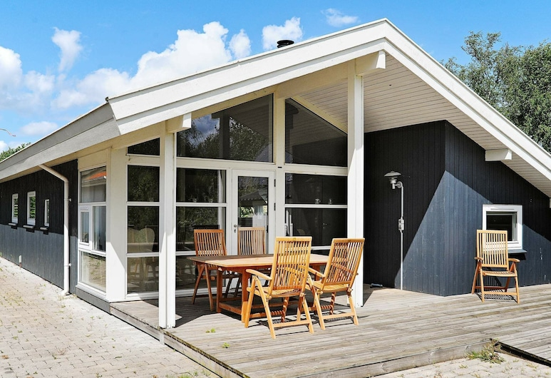 Spacious Holiday Home in Frorup With Sauna, Frørup