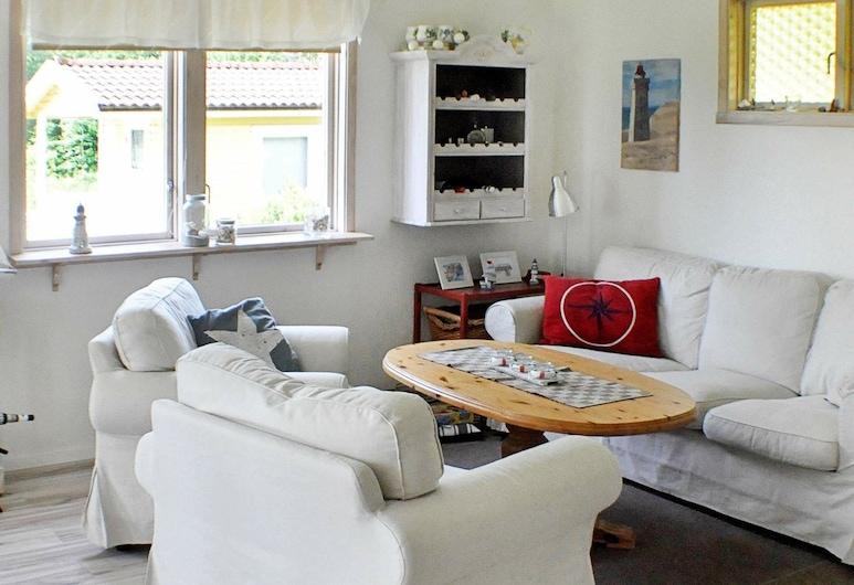 6 Person Holiday Home in Brålanda, Bralanda, Soggiorno