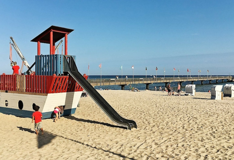 5 Star Holiday Home in Großenbrode, גרוסנברודה, חוף ים
