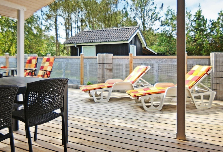 Modern Holiday Home in Ringkobing Jutland With Campfire, Ringkobing, Balcony