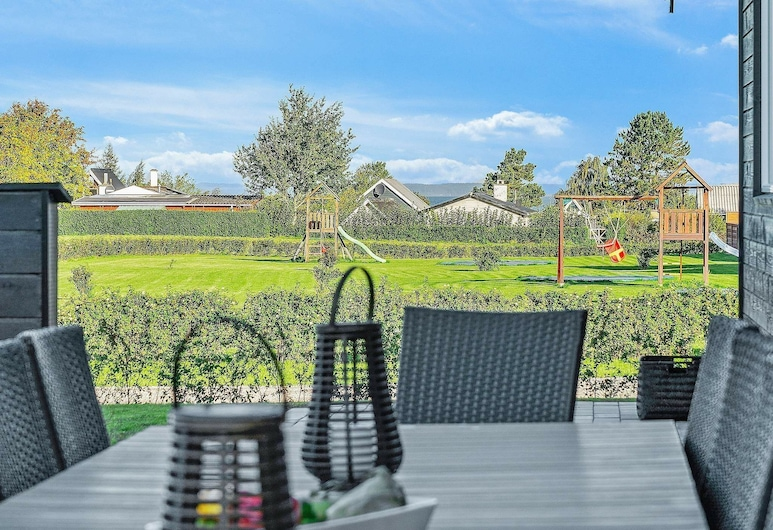 Luxurious Holiday Home in Funen With Swimming Pool, Bogense, Balcony