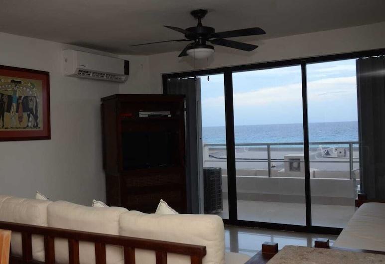 Ocean View Villa With 2 Bedrooms # 05, Cancun, Dnevna soba