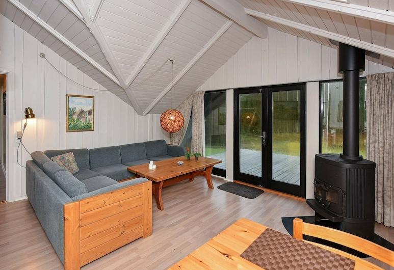Pretty Holiday Home in Nørre Nebel Near Sea, Norre Nebel, סלון