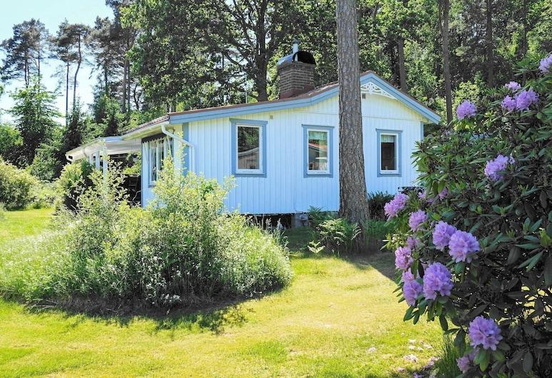 6 Person Holiday Home in Svanesund, سفانيسوند