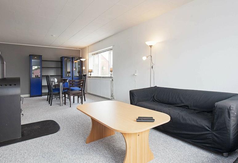 Comfortable Holiday Home in Lolland Near Sea, นาคสคอฟ, ห้องนั่งเล่น