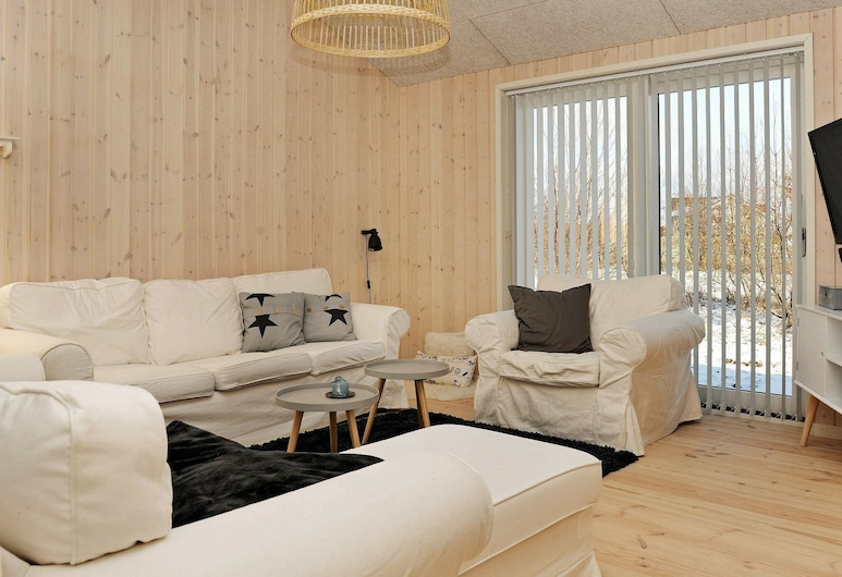 Gorgeous Holiday Home in Frørup Funen With Whirlpool, Frørup, Living Room