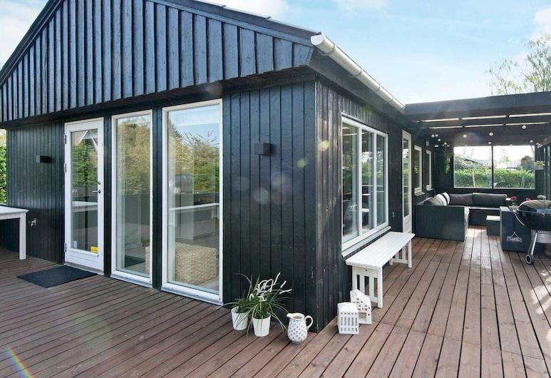 Alluring Holiday Home in Jutland With Garden Seating, Odder