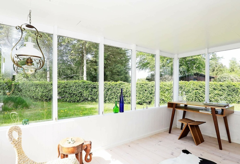 Cozy Holiday Home in Hals With Terrace, Hals, Balkon