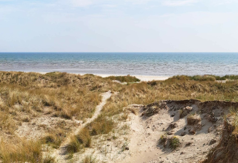 Picturesque Holiday Home in Jutland by the Sea, Jerup, Strand