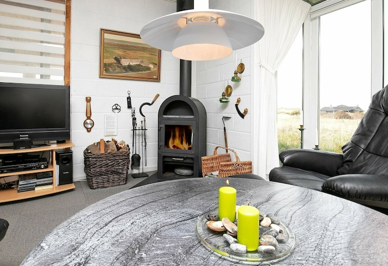 Spacious Holiday Home in Hirtshals With Barbecue, Hirtshals, House, Bilik Rehat