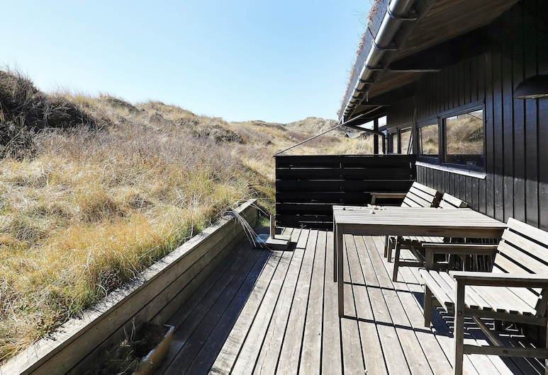 Tranquil Holiday Home in Jutland With Terrace, Skagen, 露台