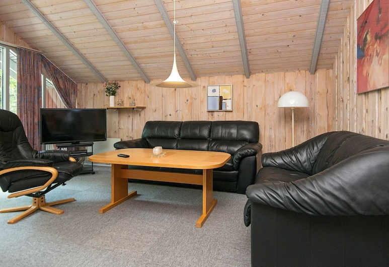 Bright Holiday Home in Jutland Near the Lake, Ansager, Stue