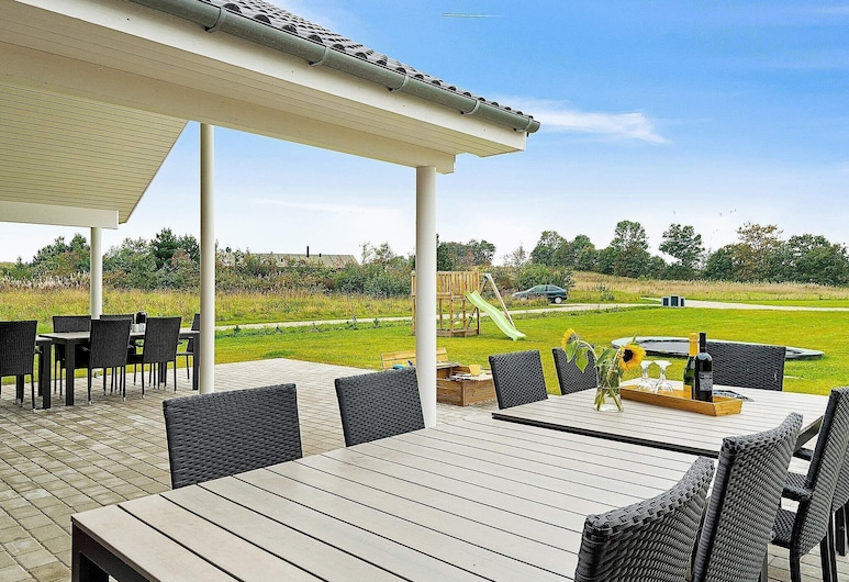 Luxurious Holiday Home in Grenå With Whirlpool, Grenaa, Balcony