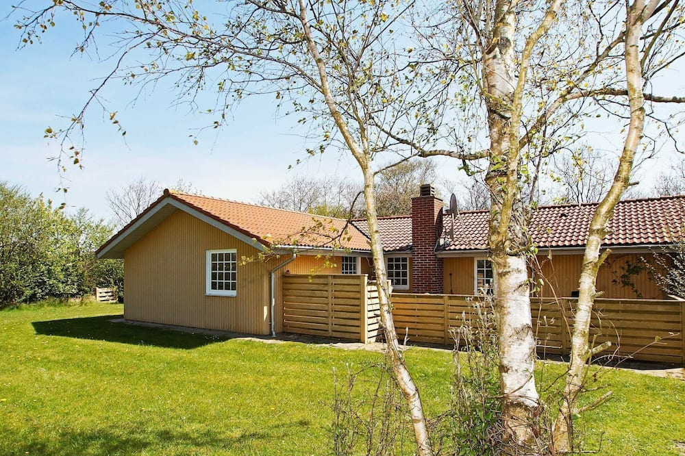 Attractive Holiday Home in Hemmet With Whirlpool